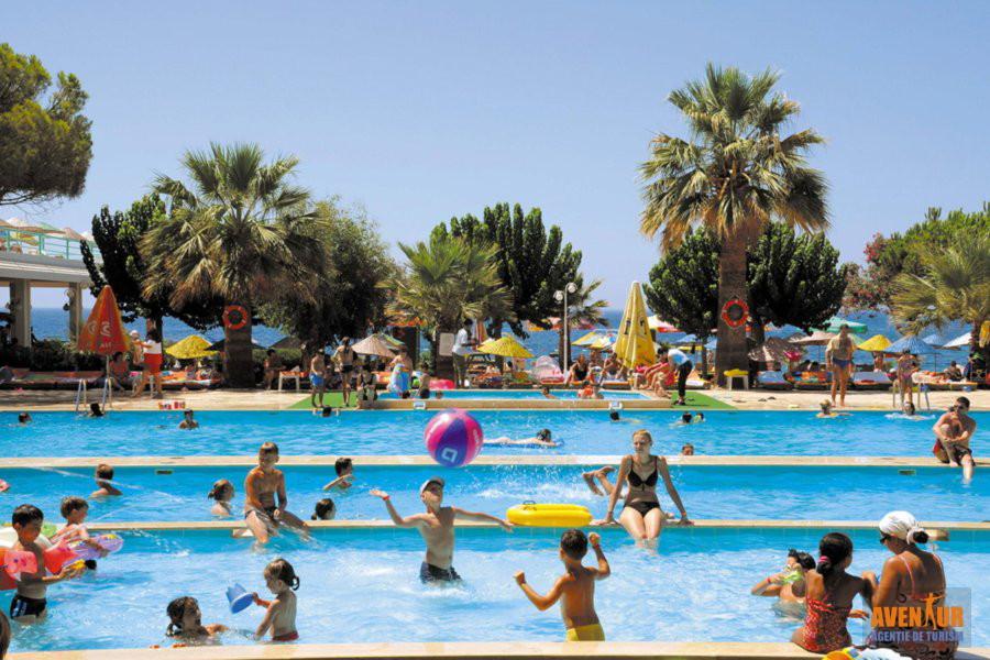 https://hoteluriturcia.aventur.ro/assets/media/imagini_hoteluri/OZGRAN/Ozdere_Grand_Efe_Club_Hotel.jpg